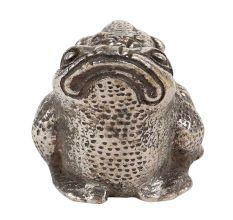Cute Female Frog Carrying  Baby Frog On her Back Aluminum Statue