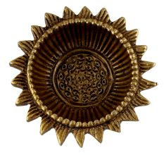 Hand crafted Sunflower Brass Oil Lamp